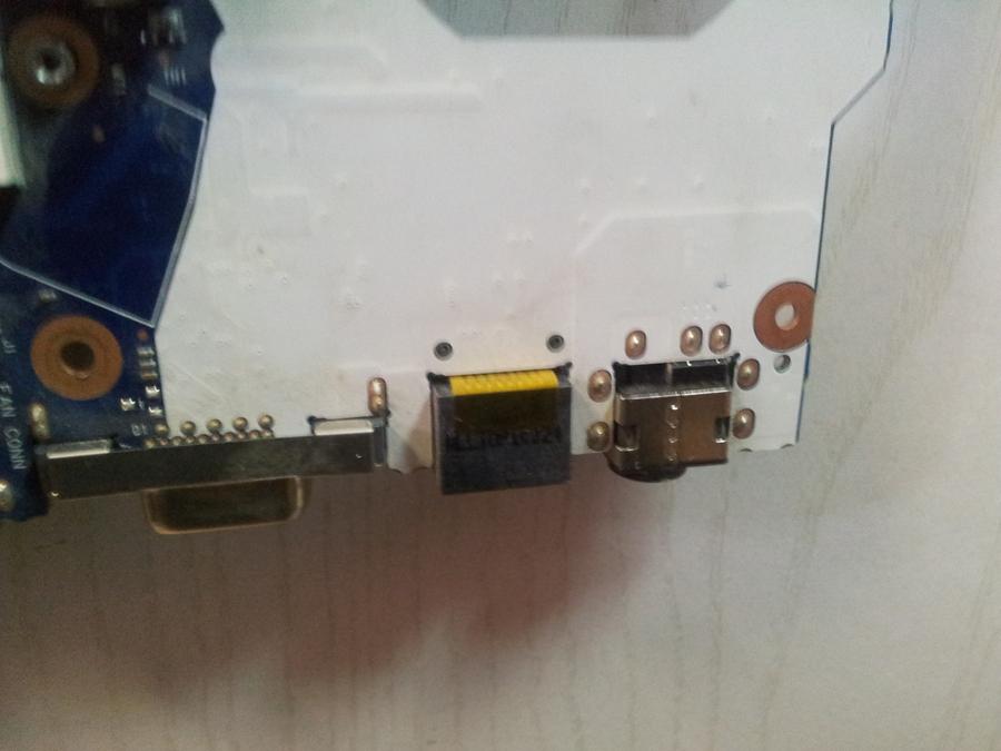 Как сделать гнездо для зарядки на ноутбуке